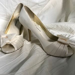 Lulu Townsend white heels with bow